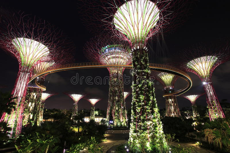 Download Gardens by the Bay editorial stock image. Image of singapore - 27983929