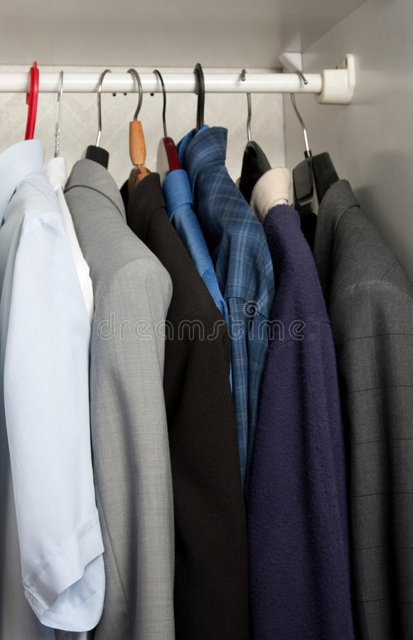 garderob arkivfoton