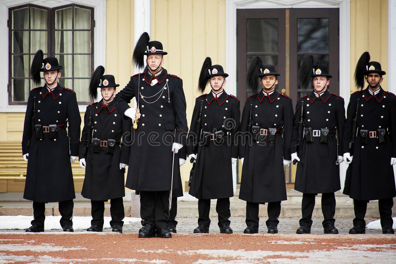 Gardez le changement à Royal Palace à Oslo, Norvège image libre de droits
