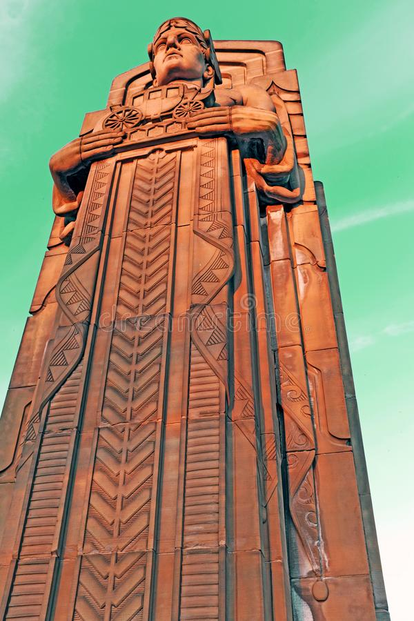 Gardien du trafic, un pylône en pierre d'art déco à Cleveland, Ohio, Etats-Unis photographie stock libre de droits