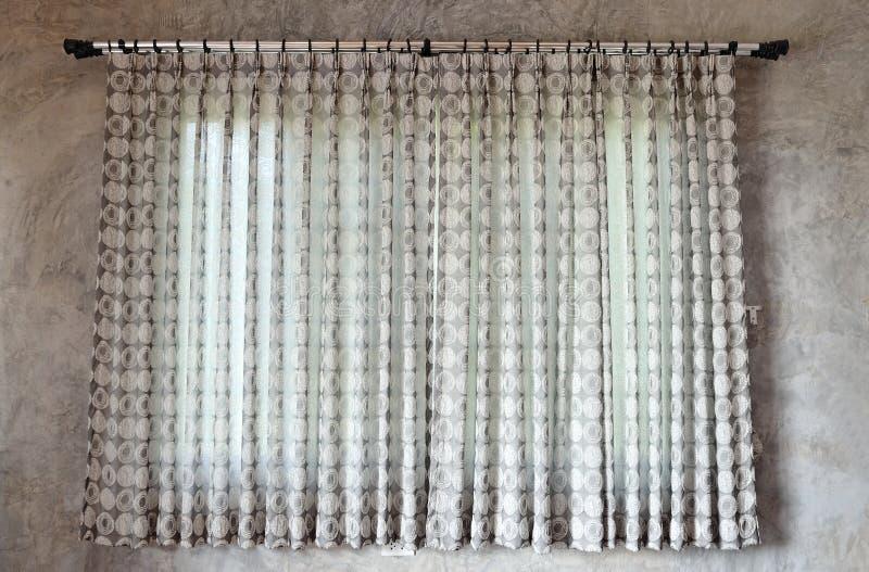 Gardin och fönster arkivfoto