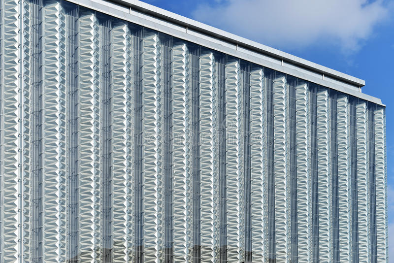 gardinvägg av modern kommersiell byggnad arkivfoton