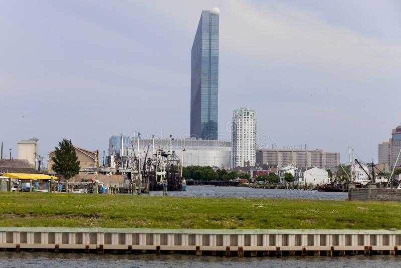 Gardner's-Beckenbereich von Atlantic City mit Revel Casino lizenzfreie stockfotos