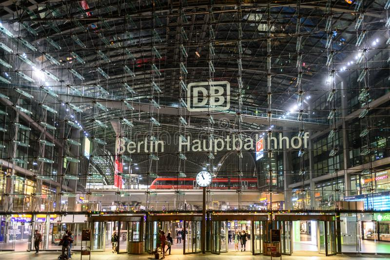 Gare de central de Berlin photographie stock libre de droits