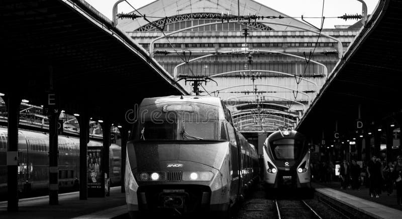 Gare de l ` Est i snabba drev för Paris tih arkivfoton