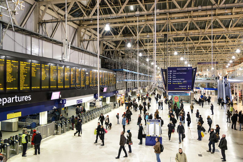 Gare de Londres Waterloo image stock