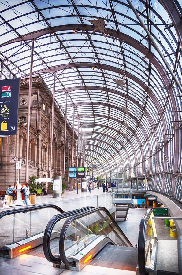Gare de Strasbourg, den huvudsakliga järnvägsstationen av den Strasbourg staden, royaltyfria foton