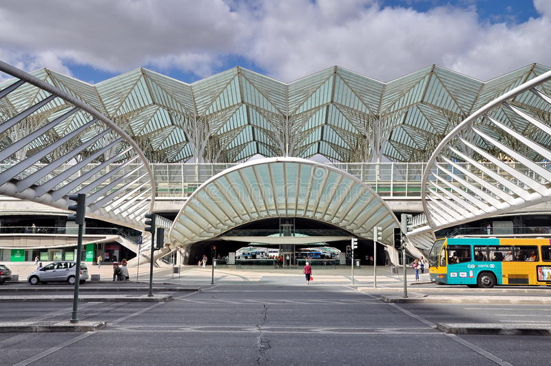 Download Gare Do Oriente Railway Station In Lisbon Editorial Image - Image: 27908600