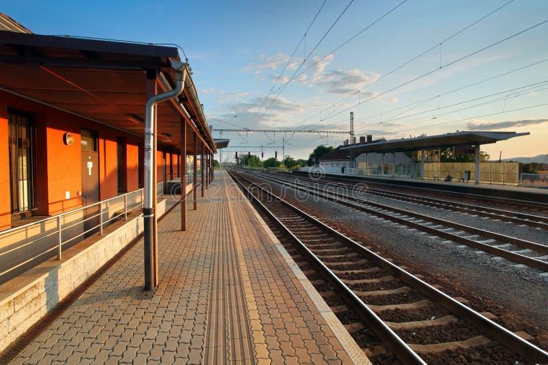 Gare du train de voyageurs photos libres de droits