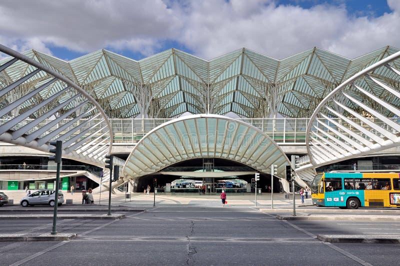 Gare fa la stazione ferroviaria di Oriente a Lisbona fotografia stock