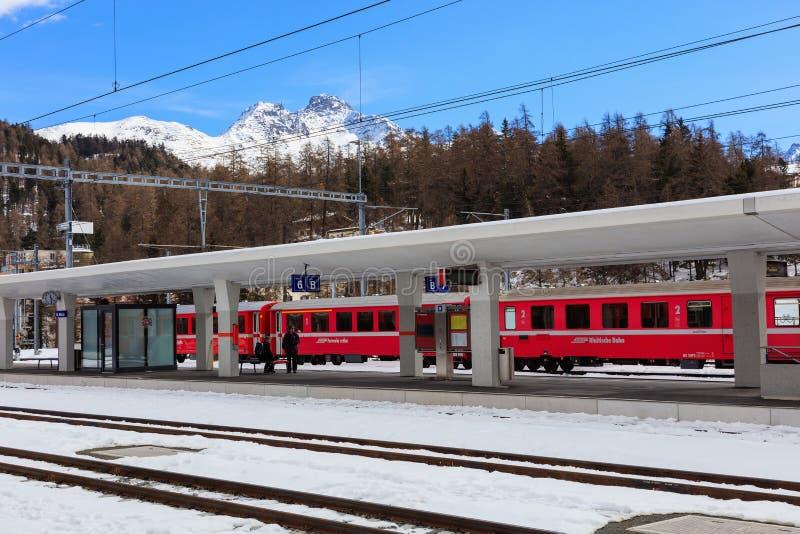 Gare ferroviaire à St Moritz, Suisse photographie stock