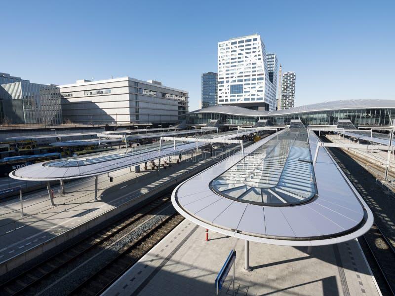 Gare ferroviaire centrale dans la ville néerlandaise d'Utrecht en Hollandes image libre de droits