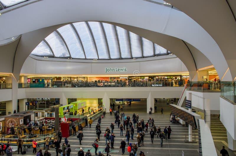 Gare ferroviaire dans la nouvelle rue de Birmingham, Royaume-Uni photo stock
