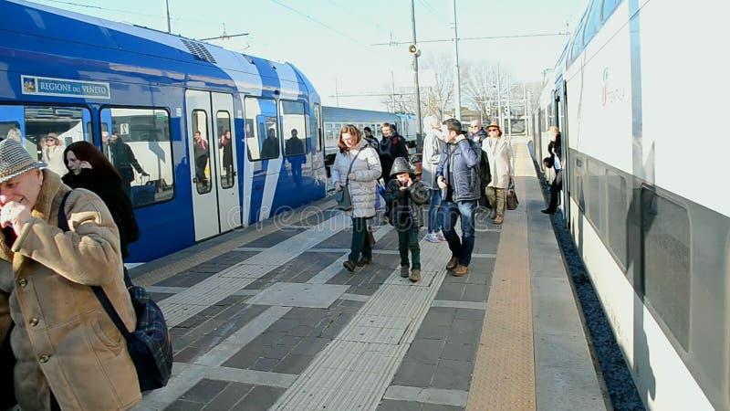 Gare Ferroviaire De Venezia Santa Lucia, Venise, Italie, Clips ...