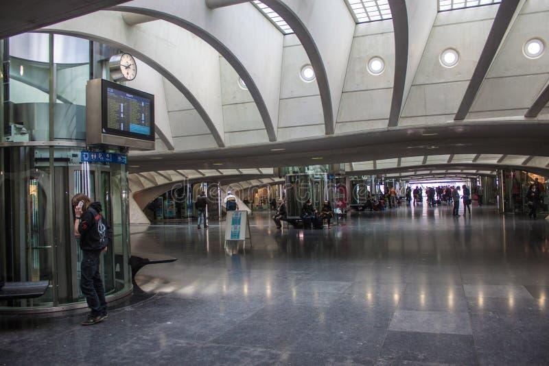 Gare ferroviaire futuriste de Liège-Guillemins photographie stock libre de droits