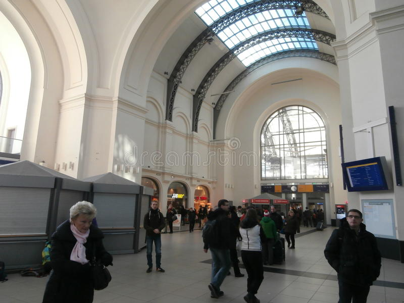 Gare ferroviaire principale de Dresde, Allemagne photos libres de droits