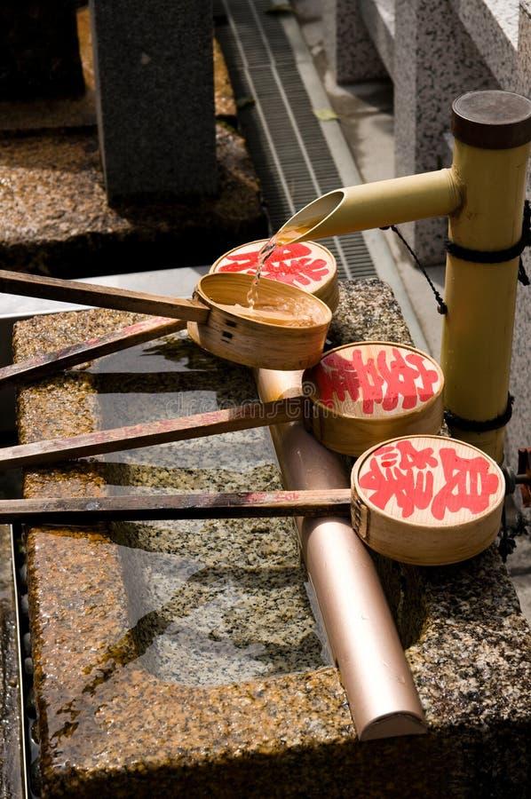 Gare potable, tombeau de Kiyomizu à Kyoto, Japon images libres de droits