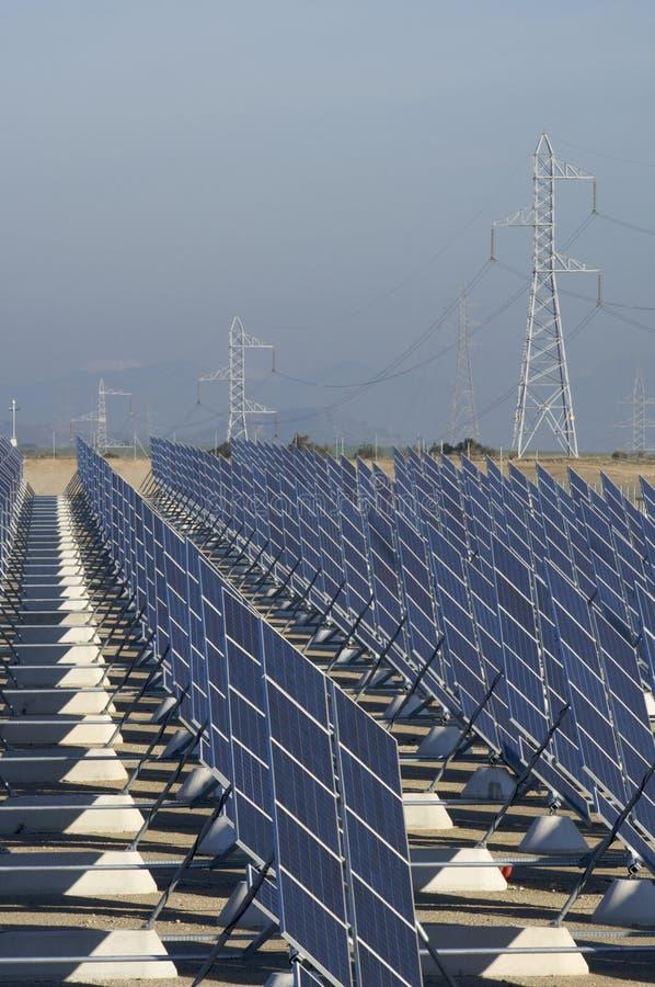 Gare solaire énorme photos stock