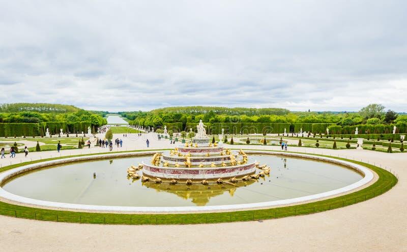 Garez de la fenêtre du palais de Versailles image libre de droits