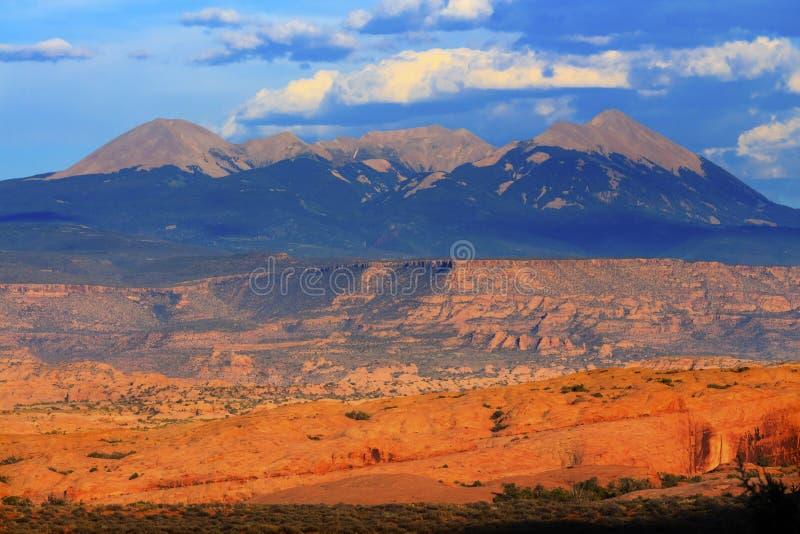 A garganta da rocha das montanhas de Salle do La arqueia o parque nacional Moab Utá imagens de stock