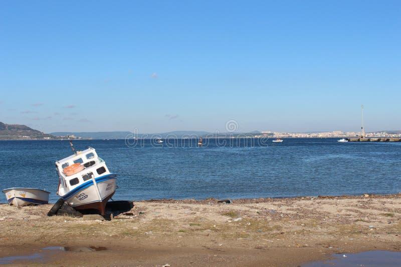 Garganta de Canakkale y barco de pesca fotografía de archivo libre de regalías