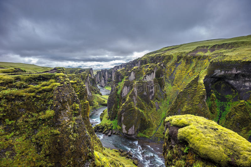 Garganta de Fjadrargljufur, Islândia fotos de stock royalty free