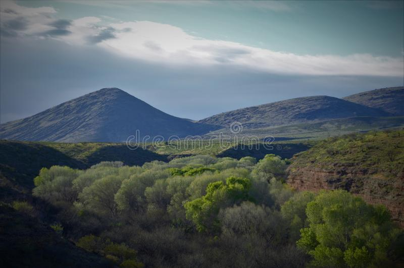 Garganta de Gila River perto de Morenci, AZ imagem de stock