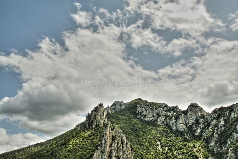 Garganta de Pierre Lys em Pyrenees, França imagens de stock