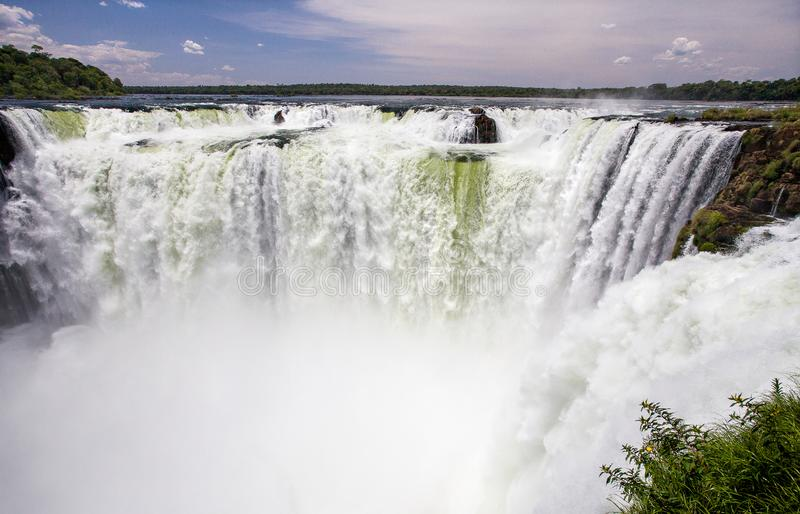Garganta del Diablo en las cataratas del Iguazú, la Argentina imágenes de archivo libres de regalías