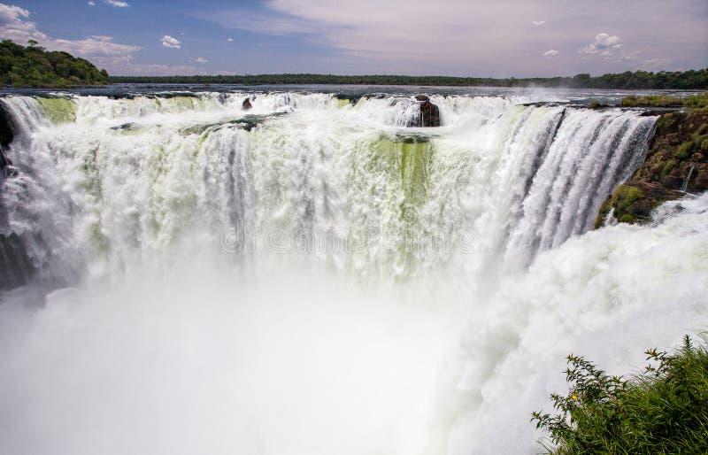 Garganta del Diablo i Iguazuet Falls, Argentina royaltyfria bilder