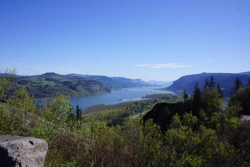 Garganta del río Columbia, Oregon, según lo visto de la carretera histórica fotografía de archivo