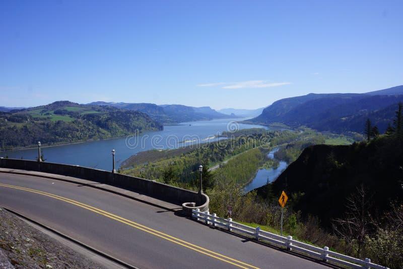 Garganta del río Columbia, Oregon, y carretera histórica imagen de archivo