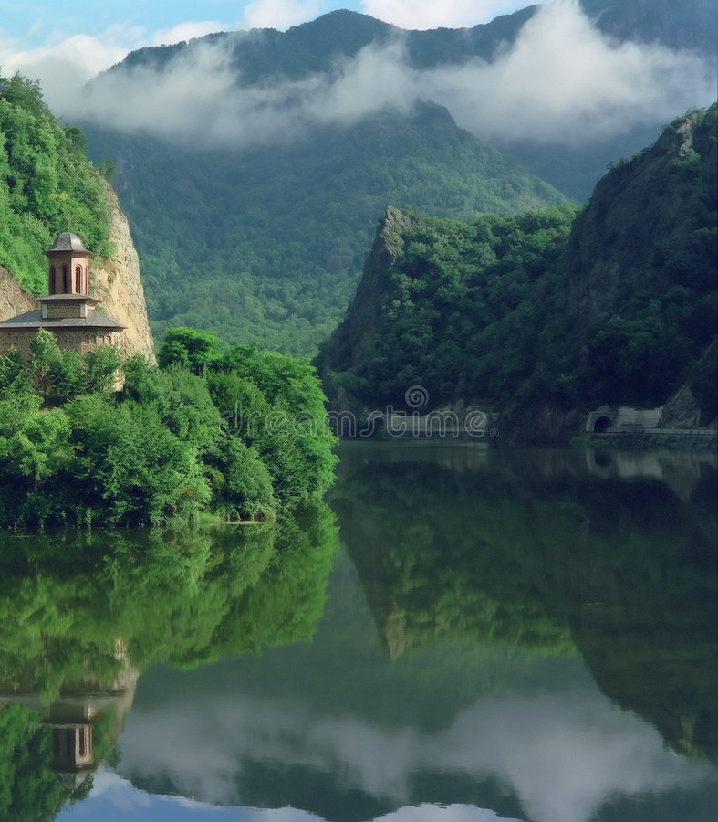 Garganta del río de Olt, Rumania foto de archivo