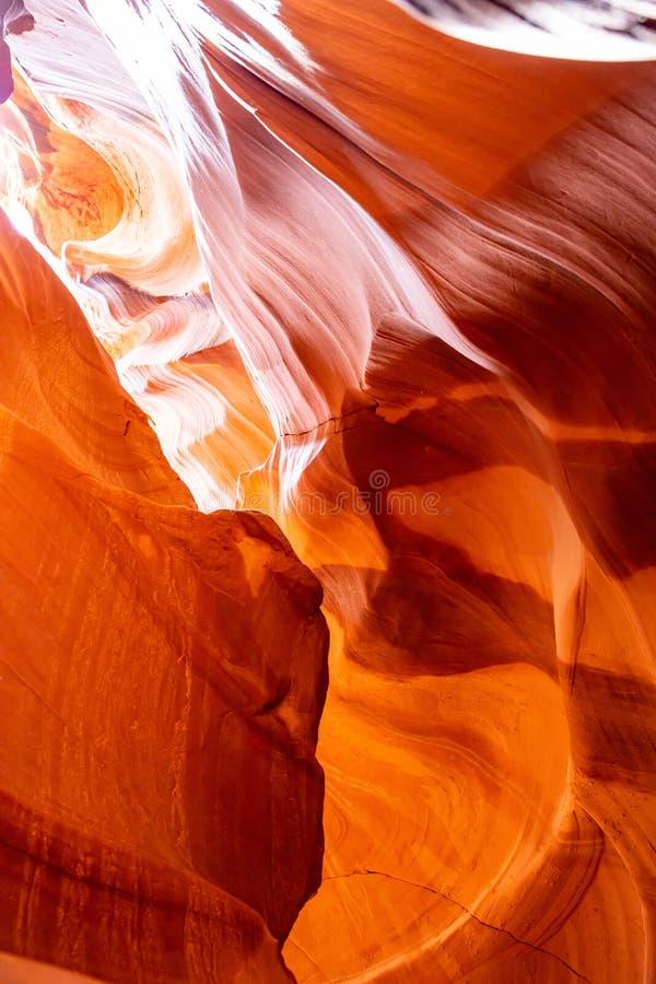 Garganta do ant?lope, perto da p?gina, o Arizona, EUA Formações do arenito na nação do Navajo fotos de stock