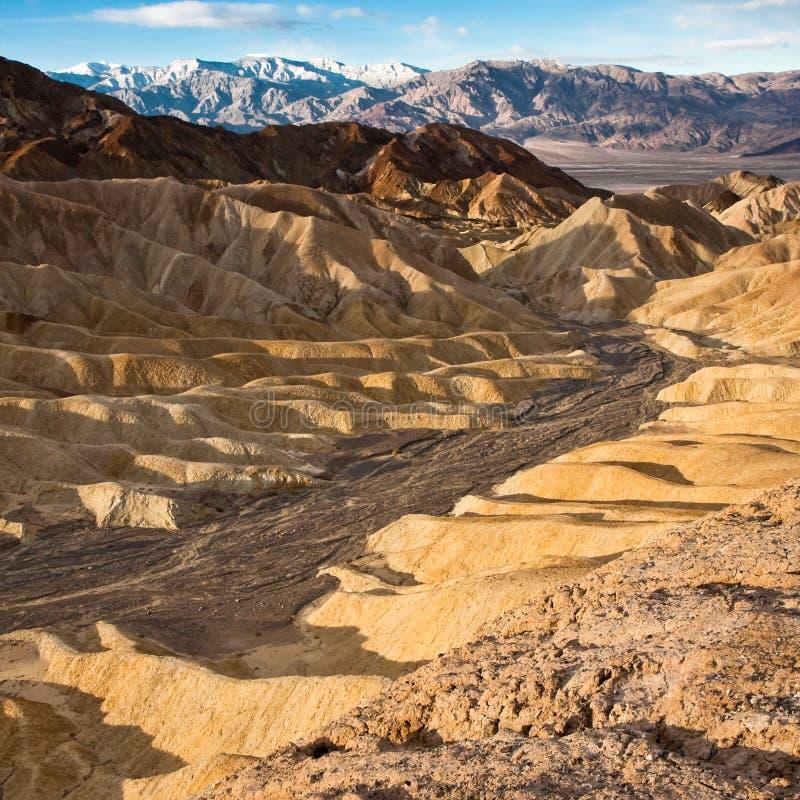 Garganta dourada no nascer do sol em Death Valley fotografia de stock