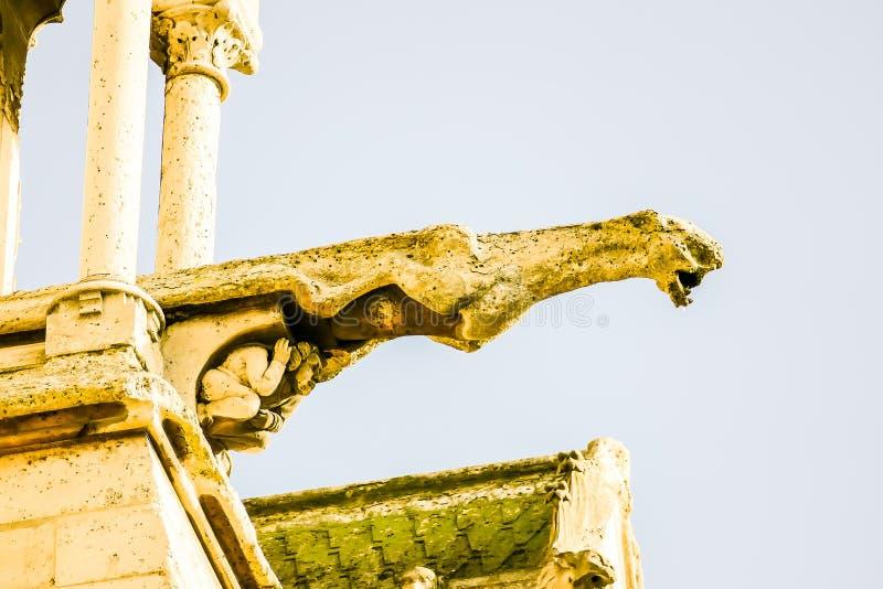 Gargouille, détail de cathédrale d'église de Notre Dame De Paris photographie stock