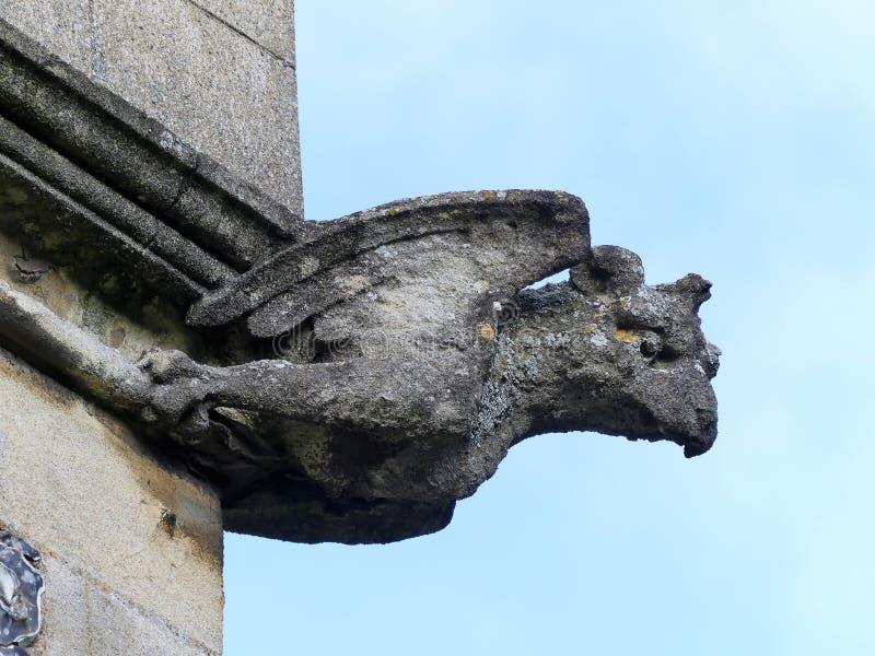 Gargouille sur la tour de l'?glise de St Mary, vieil Amersham, Buckinghamshire, R-U photographie stock libre de droits