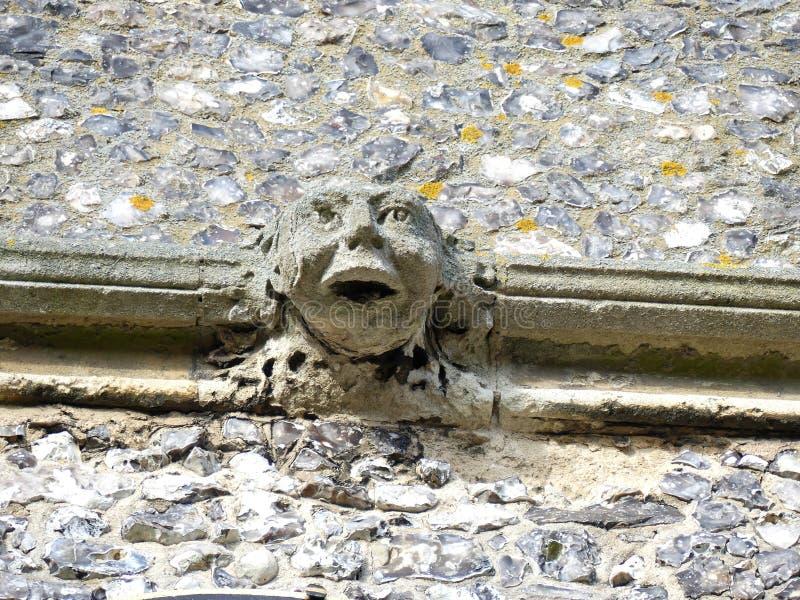Gargouille sur la tour de l'?glise de St Mary, vieil Amersham, Buckinghamshire, R-U photos stock