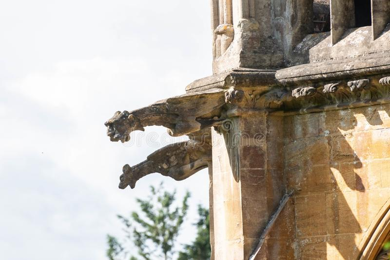 Gargoyles σε έναν τοίχο παρεκκλησιών στοκ φωτογραφίες με δικαίωμα ελεύθερης χρήσης
