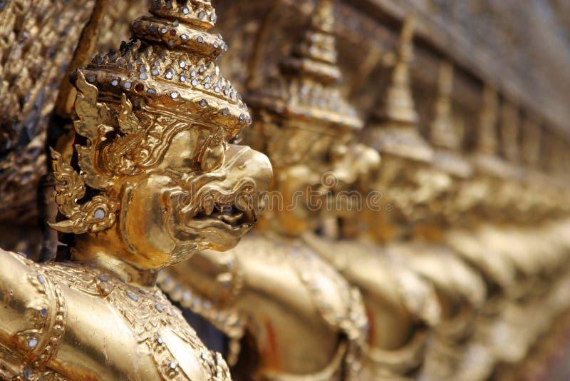 Gargoyles del demonio en la capilla del Buddha esmeralda, Bangkok imágenes de archivo libres de regalías