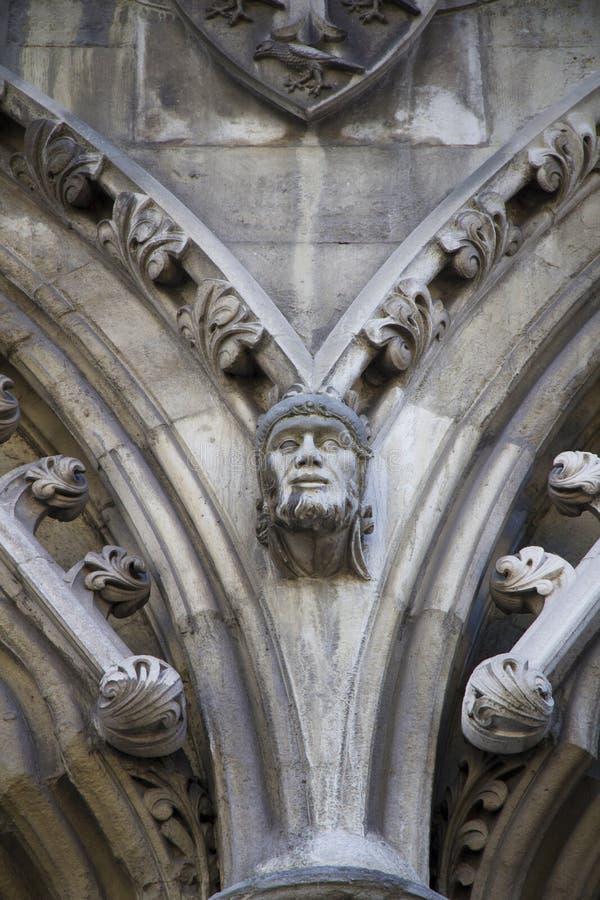 Gargulec rzeźbiący na jeden zewnętrznie ściany opactwo abbey zakładał Benedyktyńskimi michaelitami wewnątrz zdjęcie royalty free