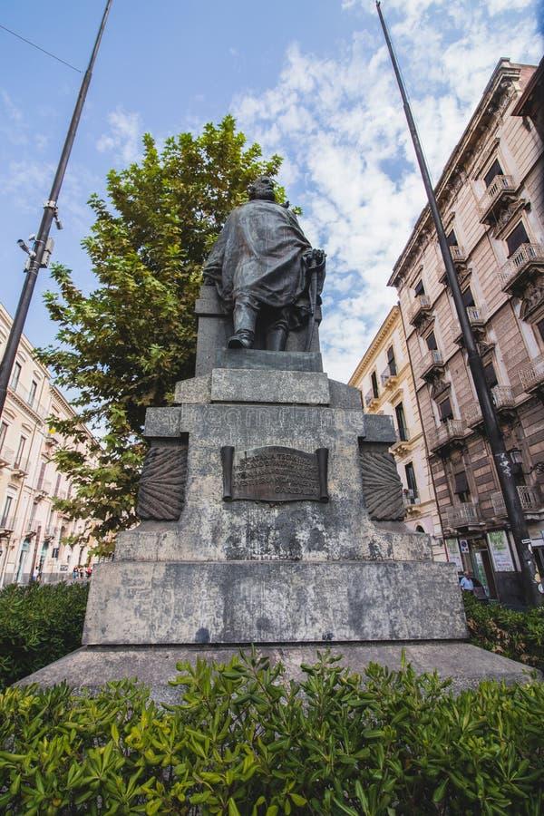 Garibaldi Statue en Catania, vía Etnea fotografía de archivo libre de regalías