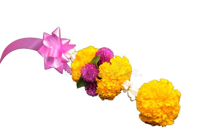 Garlands of Flowers su fondo bianco con spazio per la messa di testo illustrazione vettoriale