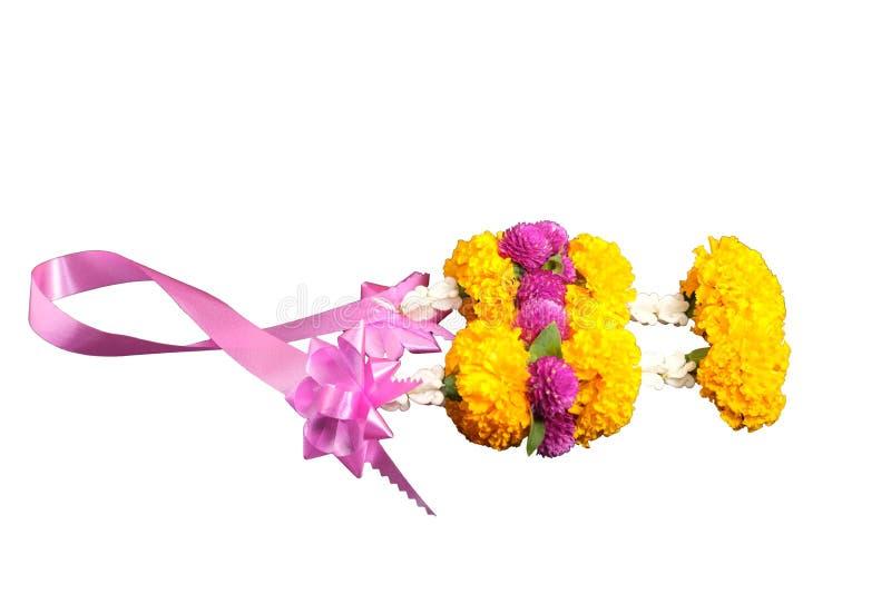 Garlands of Flowers su fondo bianco con spazio per la messa di testo illustrazione di stock