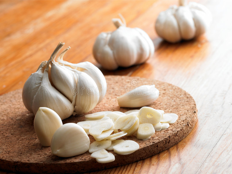 Garlic. Table of garlic for better cooking