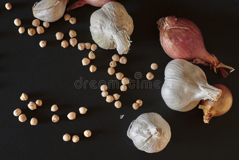 Garlic arrangement royalty free stock photo