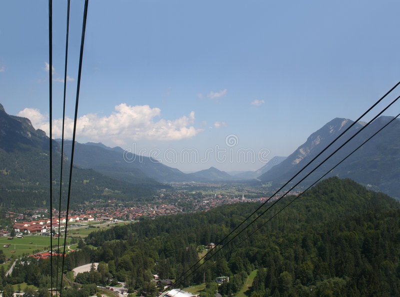 Garmisch-Partenkirchen, die van ca Alpspitze wordt gezien royalty-vrije stock foto