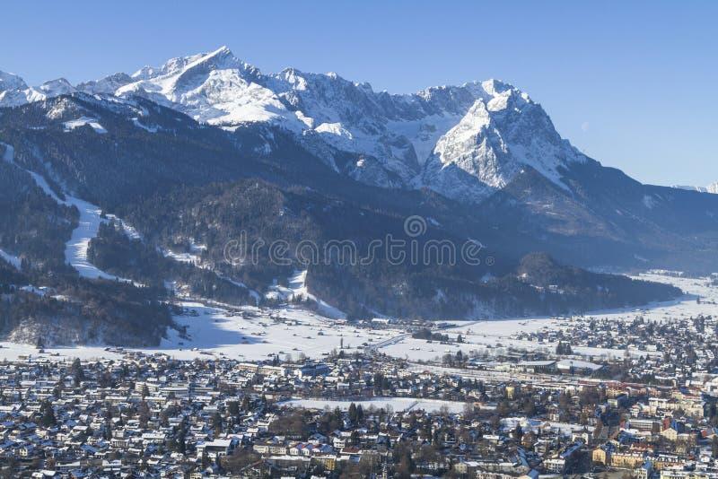 Garmisch y Zugspitze fotos de archivo