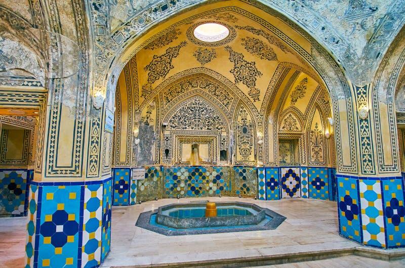 Garmkhanehkorridoren av det Qasemi badet, Kashan, Iran arkivfoto