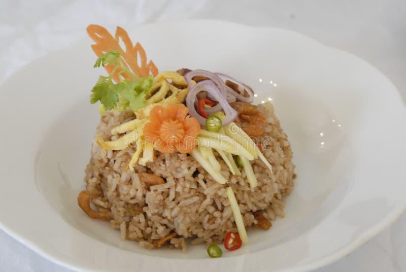 Garnalendeeg gebraden rijst gebraden rijst stock afbeelding